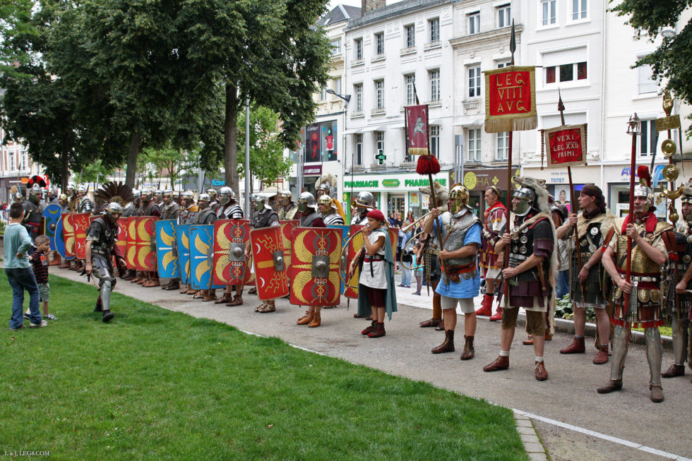 Défilé dans les rues d'Amiens