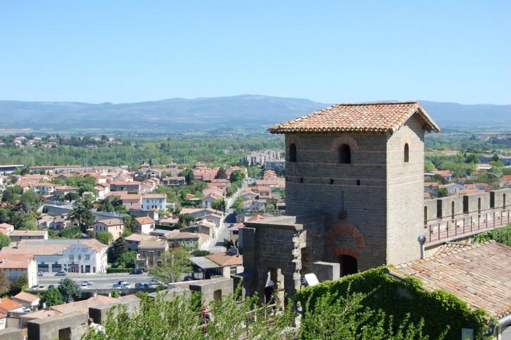 Tour romaine dite de la Marquiere vue de l'intérieur du rempart