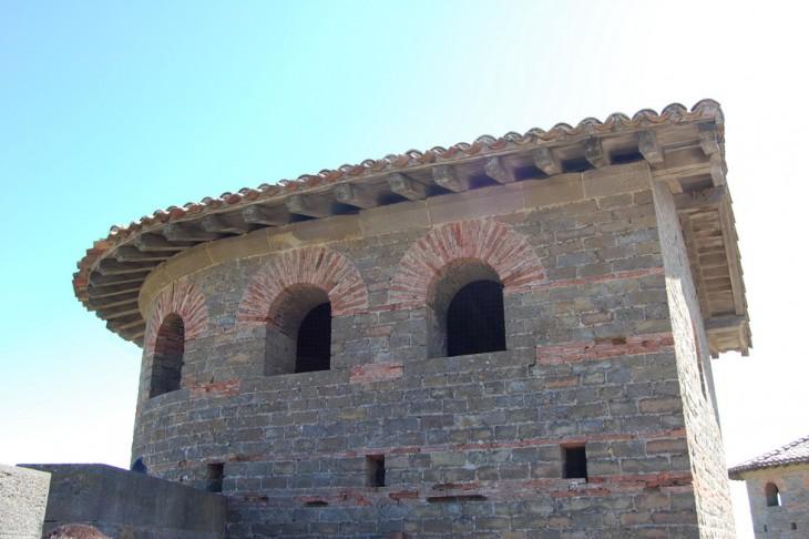 vue de la partie haute d'une tour du rempart romain Carcassonne